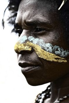 Papua New Guinea , Highlands, Mount Hagen festival singsing ~ Eric Lafforgue via Flickr