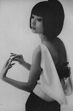 1960s fashion photo by William Klein with model Hiroko Matsumoto from Vogue 1963