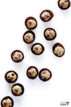 Cashew Dark Chocolate Energy Bites | gimmesomeoven.com #glutenfree #vegan