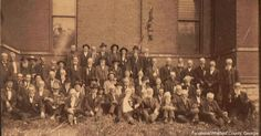 Couple Finds A Historic 107-Year-Old Photo While Cleaning Out A Barn!  Civil War Confederates 45 year Reunion!