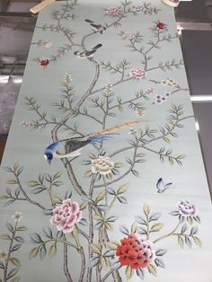 Chinoiserie Handpainted Artwork on Celadon Green Silk, panel size by - MyStyles Hand Painted Sarees, Hand Painted Fabric, Embroidery Patterns, Hand Embroidery, Pichwai Paintings, Hand Painted Wallpaper, Bird Wallpaper, Chinese Embroidery, Chinoiserie Wallpaper