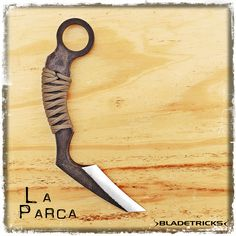 The Bladetricks La Parca is a tough and imposing karambit with a quick draw and excellent slashing capabilities. #knife #karambit #handcrafted