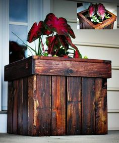 DIY Wood Pallet Planter Box - perfect repurposing/upcycle project... #diy #woodpallets #gardening