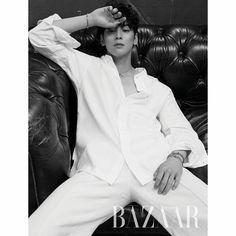 Cha Eun Woo is dreamy in 'Harper's Bazaar' Korea! Korean Men, Asian Men, Asian Actors, Korean Actors, Cha Eunwoo Astro, Lee Dong Min, Drame, Kdrama Actors, Poses
