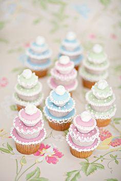 Wedding cakes - Cakeadoodledo.co.uk