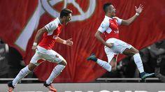 Mesut Ozil and Alexis Sanchez sparkle as Arsenal stun Manchester United - http://footballersfanpage.co.uk/mesut-ozil-and-alexis-sanchez-sparkle-as-arsenal-stun-manchester-united/
