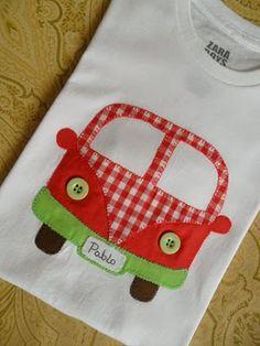 Aplicación de furgoneta en camiseta                              …