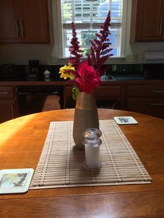 A late summer bouquet in the River Otter Suite at Golden Eagle Vacation Rentals. >>>https://www.facebook.com/norcalconcierge?ref=hl