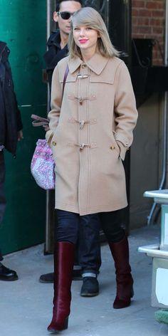 Best Celebrity Winter Street Style Fashion (38) http://fancytemplestore.com