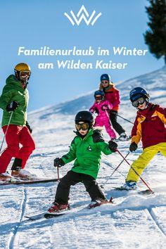 Skifahren, Rodeln, Wandern – Winterurlaub in den Alpen! Wenn Skier sich durch frischen Pulverschnee pflügen, Schlitten die Rodelhänge hinabfahren und Schneemänner den Wegesrand zieren, dann ist der Winter am Wilden Kaiser eingekehrt. Und die ideale Zeit für einen unvergesslichen Familienurlaub in den Tiroler Alpen. Wilder Kaiser, Baseball Cards, Sports, Movies, Movie Posters, Winter Vacations, Sled, Ski, Family Vacations