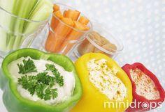 Benötigt werden ✓ grüne, gelbe und rote Paprika ✓ verschiedenes Gemüsestreifen zum Dippen Für den Quark: ✓ 125g Naturjoghurt ✓ 250g Magerquark ✓ Salz, Pfeffer ✓ etwas Knoblauch nach Geschmack ✓ Kr...