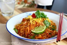 To Food with Love: Fried Mee Siam (Vermicelli) with Crispy Shrimp