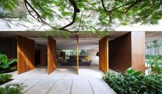 Modern House In São Paulo, Brazil - UltraLinx