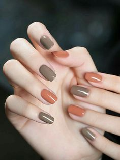 Try some of these designs and give your nails a quick makeover, gallery of unique nail art designs for any season. The best images and creative ideas for your nails. Classy Nails, Stylish Nails, Simple Nails, Trendy Nails, Shiny Nails, Gel Nails, Nail Polish, Cute Acrylic Nails, Cute Nails