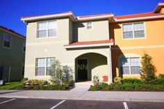 Paradise Palms Townhome 1678 Kissimmee (Florida) Paradise Palms Townhome 1678 is a villa located in Kissimmee, 17 km from Green Meadows Petting Farm. The air-conditioned unit is 18 km from Kissimmee Value Outlet Shops. Free private parking is available on site.