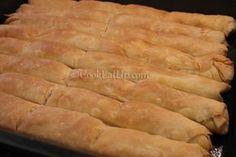 Αφράτα μπαστουνάκια με φύλλα τόσο λεπτά κι αέρινα που λιώνουν στο στόμα! Κορυφαία! Greek Recipes, Pie Dish, Hot Dog Buns, Biscotti, Food Processor Recipes, Bakery, Food And Drink, Appetizers, Cooking Recipes