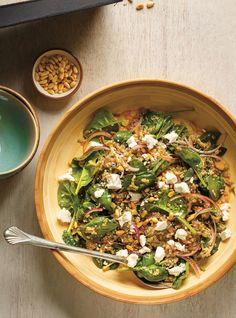 Salade de quinoa, de ricotta, d'épinards et d'oignons rouges Recettes | Ricardo