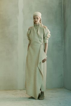 The Row Pre-Fall 2016 Fashion Show Collection: See the complete The Row Pre-Fall 2016 collection. Look 6 Fall Fashion 2016, Fashion Week, Spring Summer Fashion, Autumn Winter Fashion, Fashion Show, Fashion Design, Runway Fashion, Fashion Ideas, Fall Winter