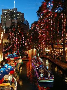 San Antonio, Texas is a beautiful and historic old city. The River Walk in San Antonio is probably the most beautiful part of that city, and is easily one of the most beautiful places to visit in ANY American city. Southern Christmas, Christmas Town, Noel Christmas, Christmas Lights, Best Christmas Vacations, Christmas Events, Christmas Travel, Christmas Shopping, Christmas Decor