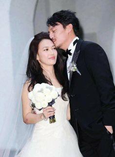 China News: Stars at Chang Chen's wedding. Chang Chen jiéhūn le. Chang Chen 结婚 了。 More: http://gurulu.com