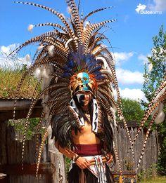 Penachos Aztecas, pura #tradición y color. #DulceAlma #TradicionesDelAlma