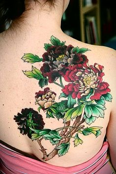 tattoo inspiration: such color and depth in the leaves