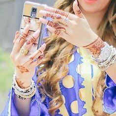 Beautiful Girl Photo, Cute Girl Photo, Beautiful Girl Image, Stylish Girls Photos, Stylish Girl Pic, Girl Photos, Mehendi, Arabian Beauty Women, Mehndi Design Pictures