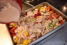 Het kycklinggratäng med krämig chilisås Keto Recipes, Dessert Recipes, Desserts, Something Sweet, Lchf, Potato Salad, Chili, Food And Drink, Favorite Recipes