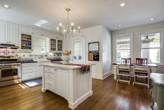 Gorgeous and extensive country kitchen designs. Extensive search options to find exactly what you're looking for.