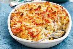 Ukusna kombinacija paradajza i sira sa savršeno zapečenom tjesteninom. Tjesteninu skuhajte po uputama na pakovanju i ocijedite. Paradajz sameljite sa b...