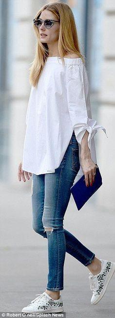 Resultado de imagen para outfits elegantes con camisa de flores