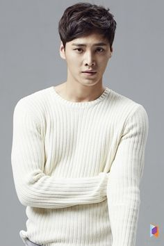Lee Tae-hwan - watching him in Please Come Back Mister & liking him! Tall & brooding & a hottie!. Also found out he's a member of 5urprise!