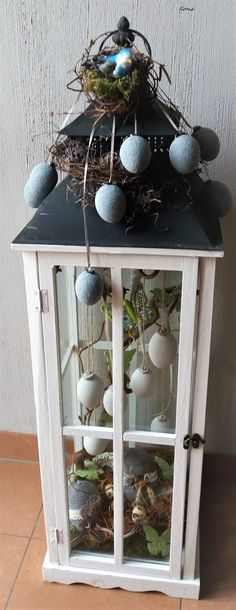 All Details You Need to Know About Home Decoration - Modern Large Lanterns, Lanterns Decor, Easter Table, Easter Party, Diy Ostern, Spring Projects, Easter Holidays, Vintage Easter, Home And Deco