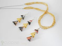 Black and mustard origami hexahedron jewelry set. Made with a total of 27 sheets of washi paper.
