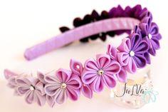 Diadema de flores de tela Kanzashi púrpura. Diadema de la