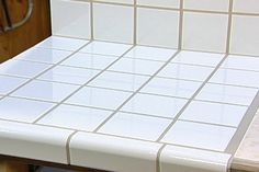 A must attempt, if I choose a laminate. Use this innovative tiling system to put ceramic tile directly on top of plastic laminate, metal or wood countertops Laminate Countertops, Tile Kitchen Countertops, Kitchen Tile, Kitchen Countertop Materials, Kitchen Redo, Kitchen Ideas, Kitchen Updates, Green Kitchen, Tile Installation