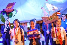 SEP 15TH: Lantern parade and torch kick off Costa Rica Independence Day festivities -The activity also included the traditional desfile de faroles, where kids show off their creativity in designing their own lanterns.