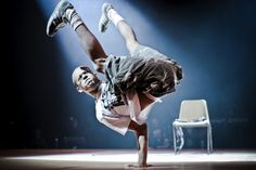 Awesome action photo of #breakdancing prodigy - #dancecompetition #performanceart #dance #dancing #bboy #streetdance #dancer #capoeira