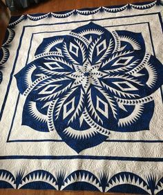 Check out this exciting star quilts - what an original version Amish Quilts, Star Quilts, Quilt Blocks, Crochet Mandala Pattern, Star Quilt Patterns, Quilt Festival, Les Sentiments, Panel Quilts, Quilting Designs