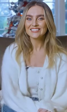 Perrie Edwards Style, Little Mix Perrie Edwards, Little Mix Outfits, Little Mix Style, Jesy Nelson, Jade Amelia Thirlwall, Spice Girls, Girl Bands, Celebrity Hairstyles