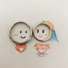 【インスタ映え】結婚・婚約指輪をおしゃれに写真に撮る方法 | marry[マリー] Pre Wedding Poses, Pre Wedding Photoshoot, Wedding Couples, Cute Couple Poses, Cute Couple Art, Couple Ring Design, Wedding Ring Photography, Wedding Mood Board, Wedding Photo Inspiration