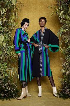 Duro Olowu Fall 2017 Ready-to-Wear Fashion Show Collection Floral Fashion, Love Fashion, Autumn Fashion, Duro Olowu, Moda Floral, Fashion Model Poses, Textiles, Vogue Russia, Fashion Show Collection