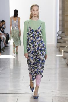 Christian Wijnants Spring 2018 Ready-to-Wear Collection Photos - Vogue