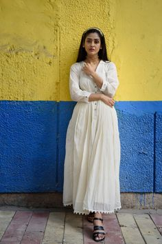 White floaty maxi, lace, indian street style, fashion, blogger