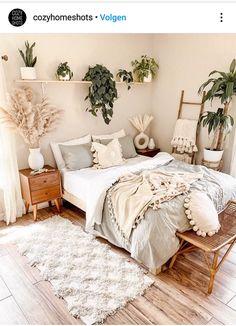 Cute Bedroom Decor, Room Design Bedroom, Room Ideas Bedroom, Home Bedroom, Bedrooms, Bedroom Inspo, Cozy Room, Aesthetic Bedroom, My New Room