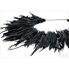 Leder-Fransen-Collier Halskette mit Holzperlen - A Little Fashion