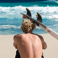 Surfing holidays is a surfing vlog with instructional surf videos, fails and big waves Surfer Boys, Surfer Surf, Sup Surf, Skate Surf, Beach Bum, Ocean Beach, John John Florence, Beach Music, Big Waves