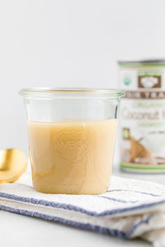 This sweetened condensed coconut milk is a dairy-free vegan alternative for regular sweetened condensed milk. You only need two ingredients! Delicious Vegan Recipes, Gluten Free Recipes, Low Carb Recipes, Baking Recipes, Delicious Desserts, Dessert Recipes, Baking Ideas, Condensed Coconut Milk, Canned Coconut Milk