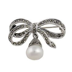 Brooches In Sterling Silver Indian Jewellery Marcasite Pearl Ribbon Bow Length cm Bow Jewelry, India Jewelry, Jewelry Design, Jewellery, Marcasite Jewelry, Sterling Silver Jewelry, Fool Gold, Art Nouveau Jewelry, Ribbon Bows