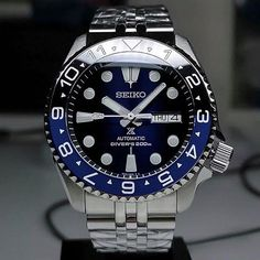Seiko Skx007 Mod, Seiko Mod, Stylish Watches, Cool Watches, Watches For Men, Deep Blue Watches, Watch Master, Seiko Diver, Classy Men